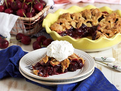 fresh-cherry-pie_3.jpg