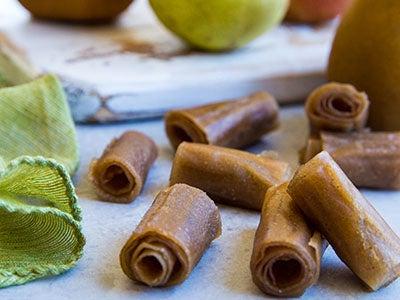 homemade-fruit-leather-recipe-two-ways_3.jpg