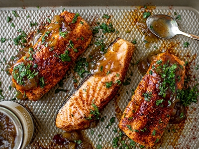 grilled-salmon-with-pineapple-relish_2.jpg