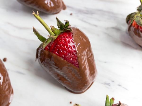 choc-covered-strawberries_4.jpg