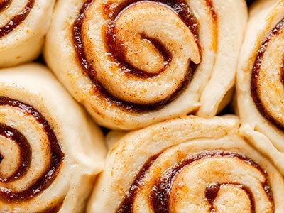 warm-and-gooey-pumpkin-butter-cinnamon-rolls_4.jpg