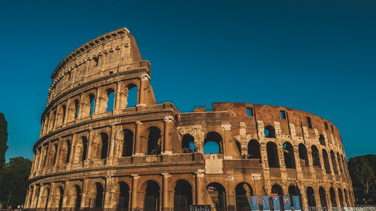 Colosseum_in_Rome_and_Italy.jpg