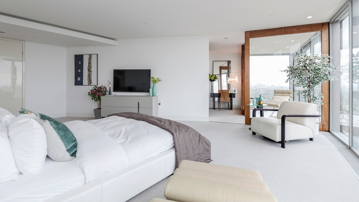Tips from Airbnb Plus hosts: How to keep your space spotless - Resource  Center