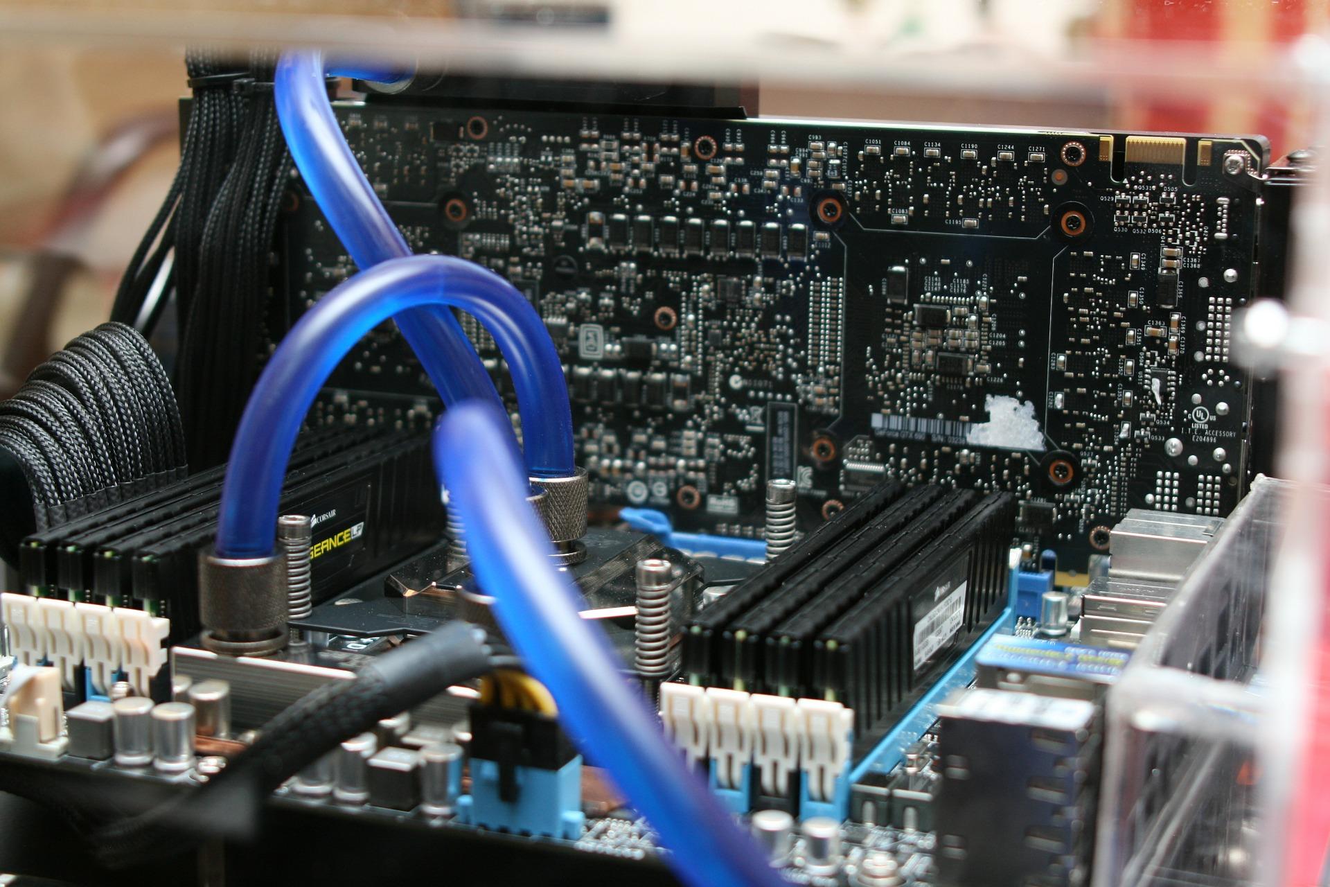 motherboard-386669_1920.jpg