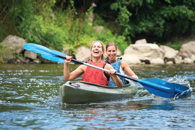Women visiting Timber Creek Resort who went canoeing