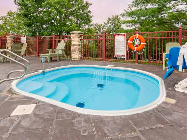 Outdoor hot tub at Holiday Hills Resort in Branson, Missouri.