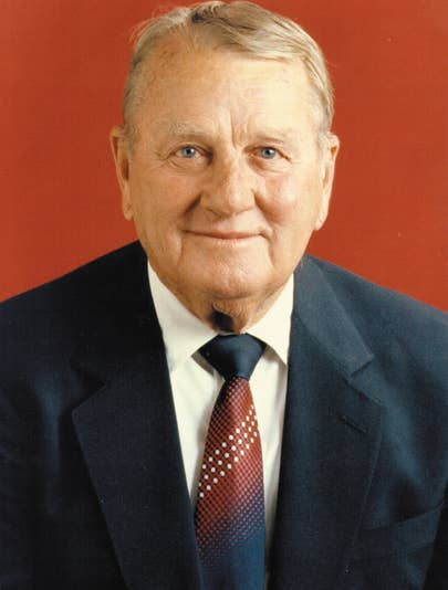 A professional photo of Kemmons Wilson