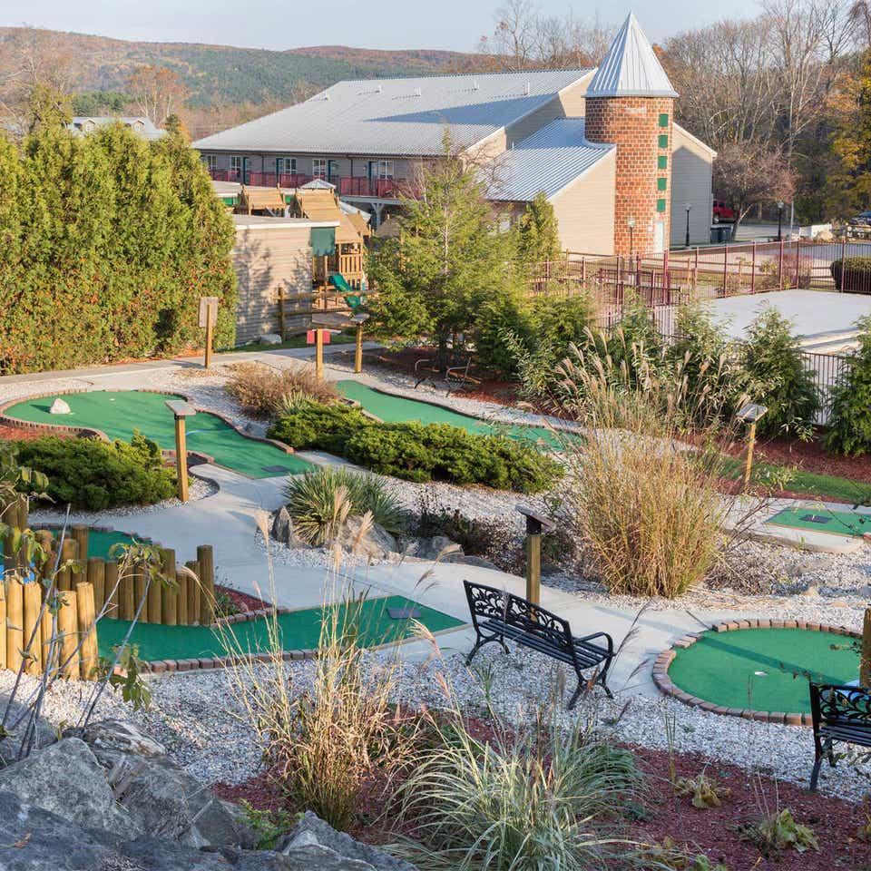 Mini golf course at Oak n Spruce Resort.
