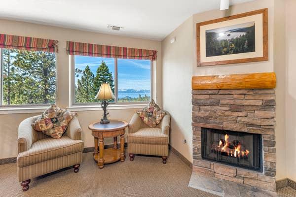 Living room in a Ridge View one-bedroom villa at Tahoe Ridge Resort