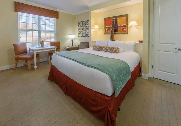 Bedroom in a two-bedroom presidential villa at Apple Mountain Resort in Clarkesville, GA