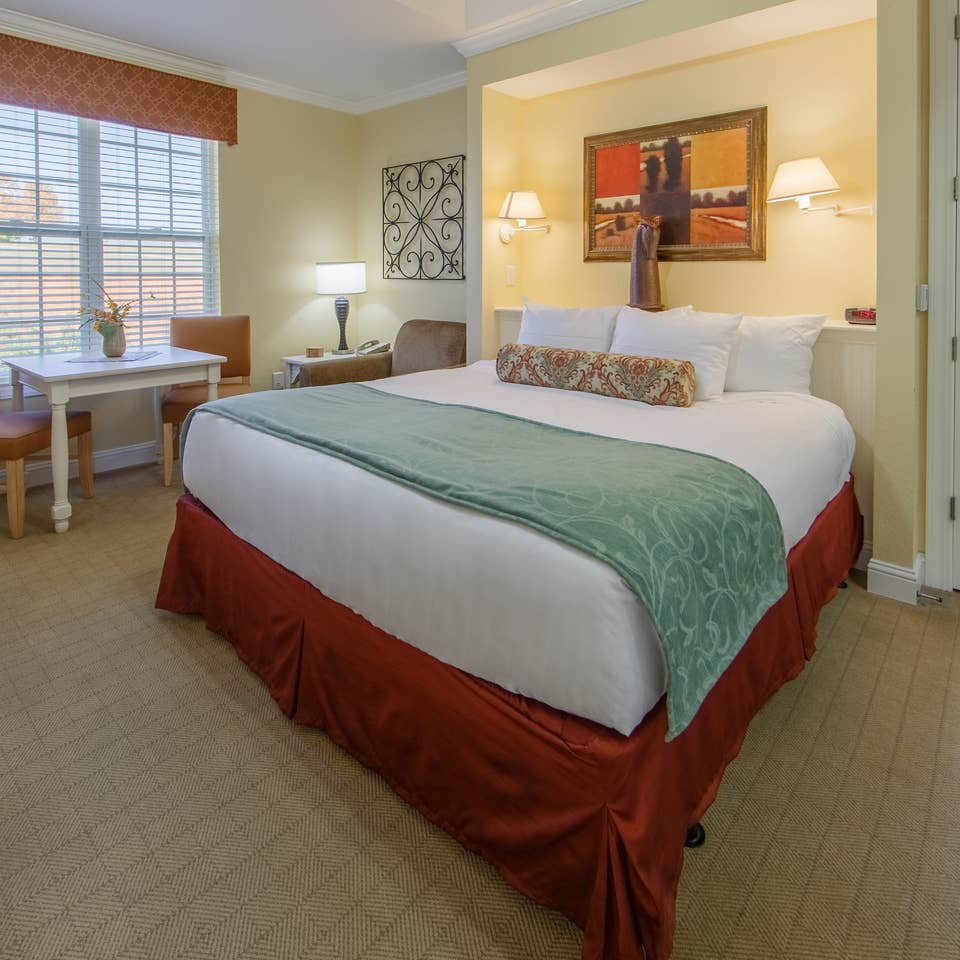 Bedroom in a two-bedroom presidential villa at Apple Mountain Resort in Clarkesville, GA