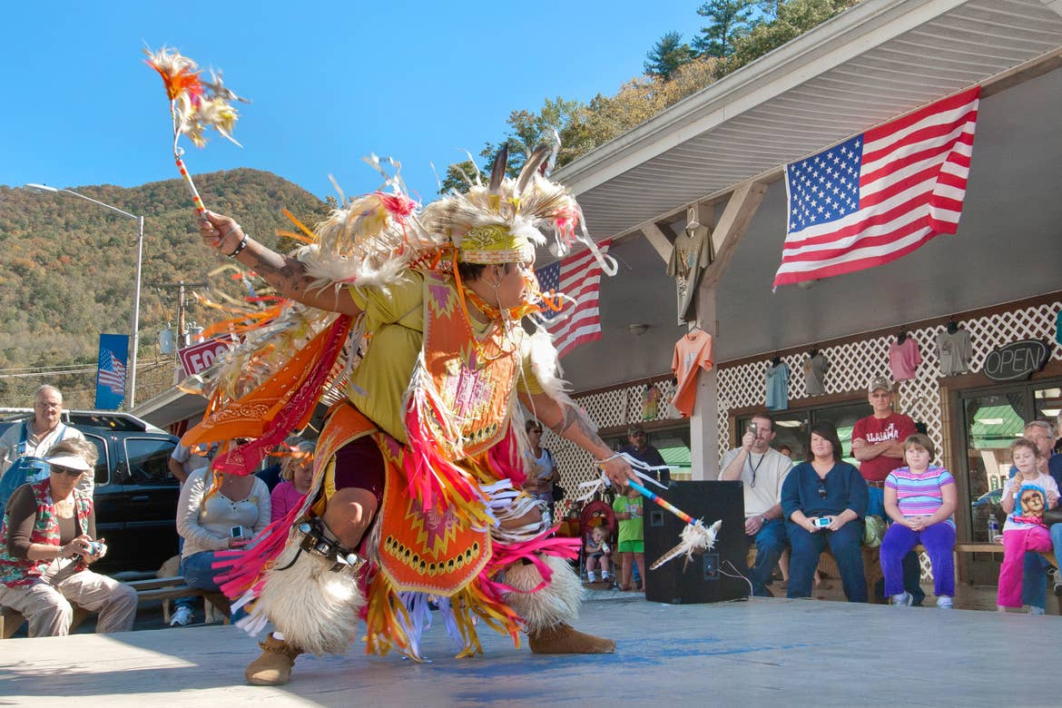 An outdoor performance from a member of the Cherokee Indian Reservation.
