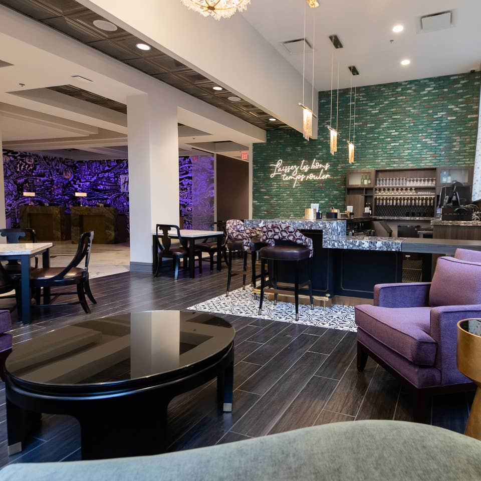 Maritime Bar & Lounge with seating area at New Orleans Resort in Louisiana.