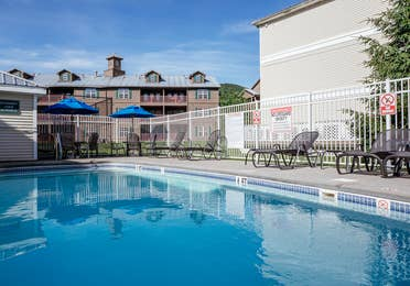 Small outdoor pool at Oak n' Spruce Resort in South Lee, Massachusetts