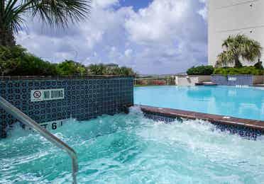 Outdoor hot tub at Galveston Beach Resort in Texas.
