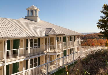 View of property building at Ozark Mountain Resort in Kimberling City, MIssouri.