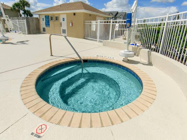 Outdoor hot tub at Orlando Breeze Resort near Orlando, Florida.