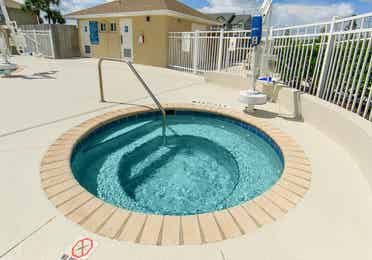 Outdoor hot tub at Orlando Breeze Resort near Orlando, Florida.