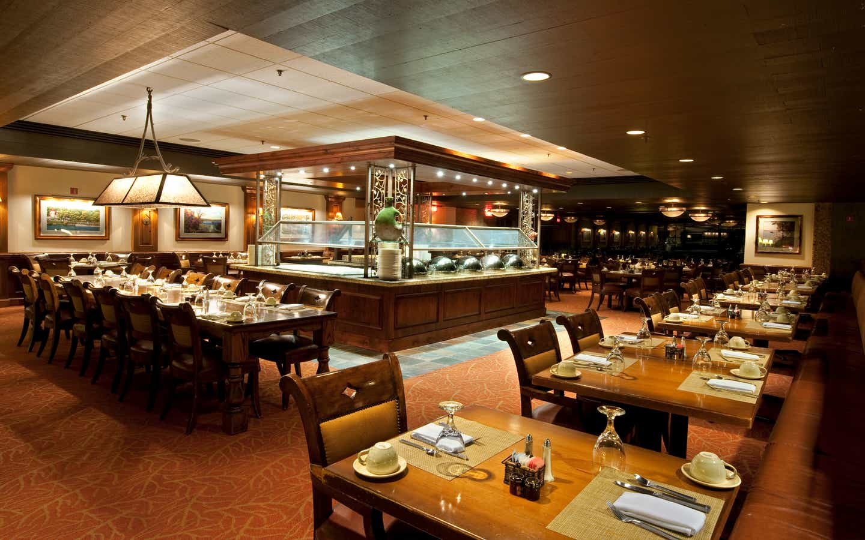 Indoor restaurant seating at Lake Geneva Resort in Wisconsin.