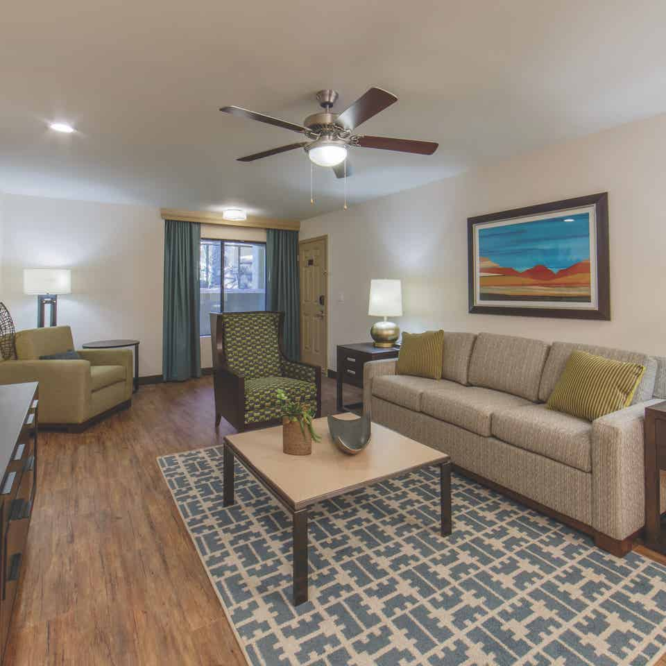 Scottsdale Resort One-Bedroom Deluxe living room