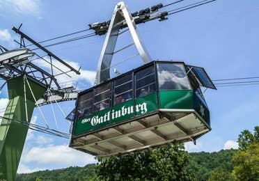 A sky gondola in Ober Gatlinburg