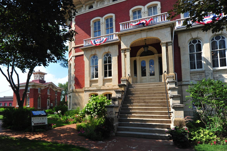 Exterior of the Historic Reddick Mansion.