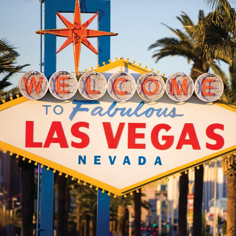 Welcome to Las Vegas sign near Desert Club Resort.