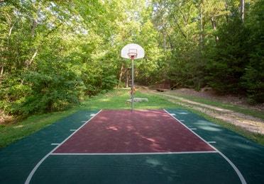 Outdoor basketball court at Ozark Mountain Resort in Kimberling City, Missouri