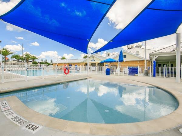 Outdoor kiddie pool at Orlando Breeze Resort in Orlando, Florida.