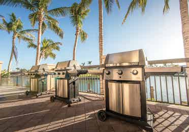 Grills at Sunset Cove Resort