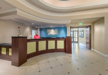 Front desk in the lobby of Sunset Cove Resort