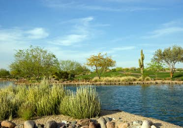 Lake set in the middle of a desert landscape