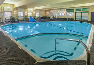 Indoor hot tub at Oak n Spruce Resort.