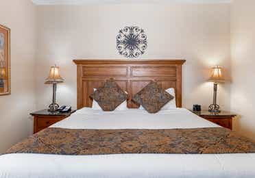 King-size bed in a Ridge Pointe studio villa at Tahoe Ridge Resort