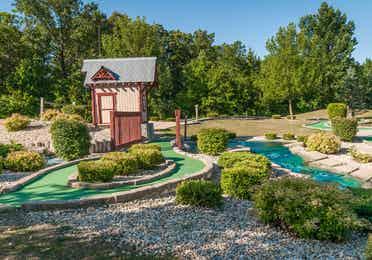 Outdoor mini golf course at Fox River Resort in Sheridan, Illinois.