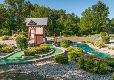 Outdoor mini golf course at Fox River Resort in Sheridan, Illinois.
