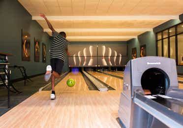 Man bowling at Williamsburg Resort