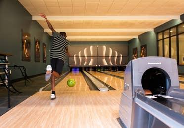 Man bowling at Williamsburg Resort