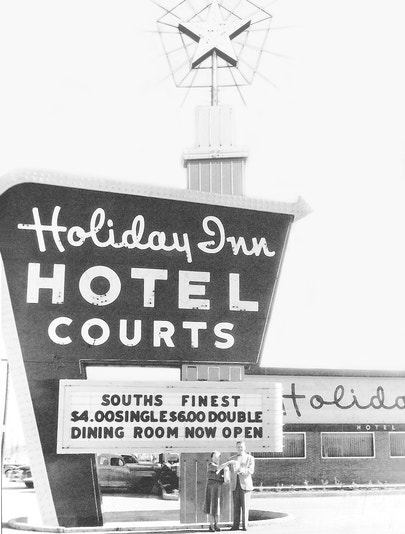 An early Holiday Inn Sign from the late 1950s through early 1960s