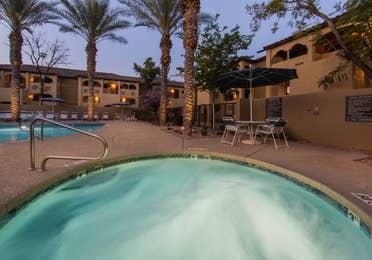 Hot tub and pool at Scottsdale Resort in Arizona