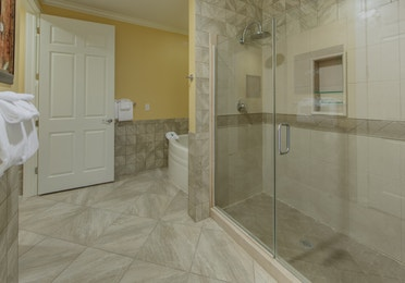Bathroom with large walk-in shower in a presidential villa at Fox River Resort in Sheridan, Illinois