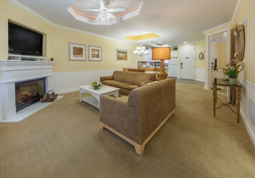 Living room in a two-bedroom presidential villa at Apple Mountain Resort in Clarkesville, GA