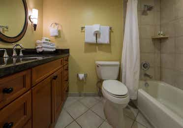 Bathroom with shower/tub combination in a studio room in West Village at Orange Lake Resort near Orlando, FL