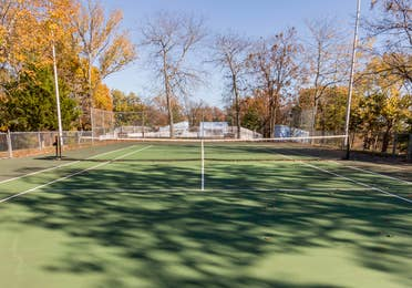 Outdoor tennis court at Ozark Mountain Resort in Kimberling City, MO.