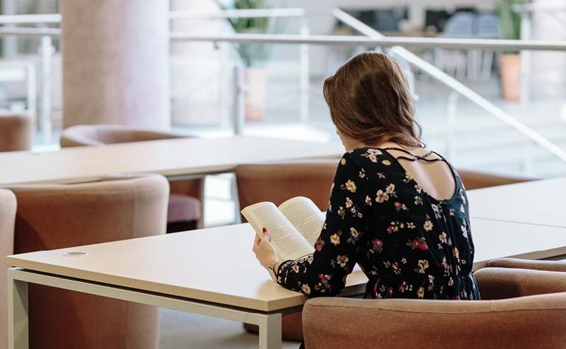 Studera och extrajobba