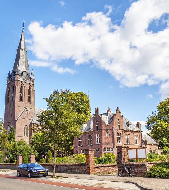Eindhoven_iStock-508786473.jpg