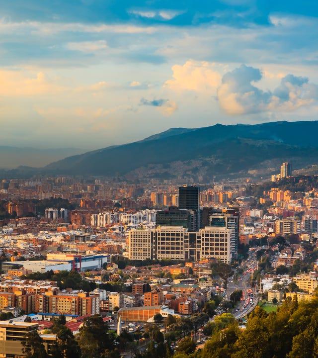 Centro_de_idiomas_en_Cedritos_Bogota.jpg