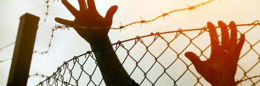 Cómo preparar y proteger a su familia en caso de una deportación