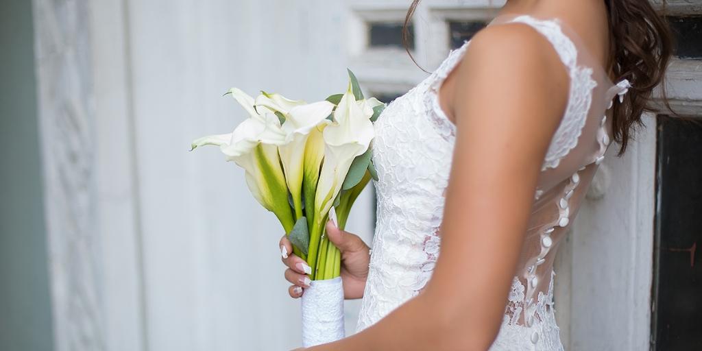 wedding-flower-symbolism.jpg