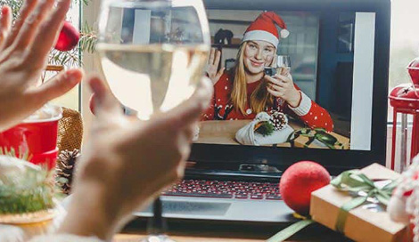 How to Stay Connected with Loved Ones This Holiday Season